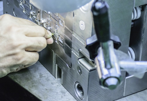 Sheet metal soft tooling vs hard tooling: What's the difference?