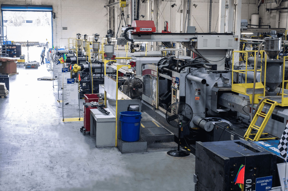 injection mold shop